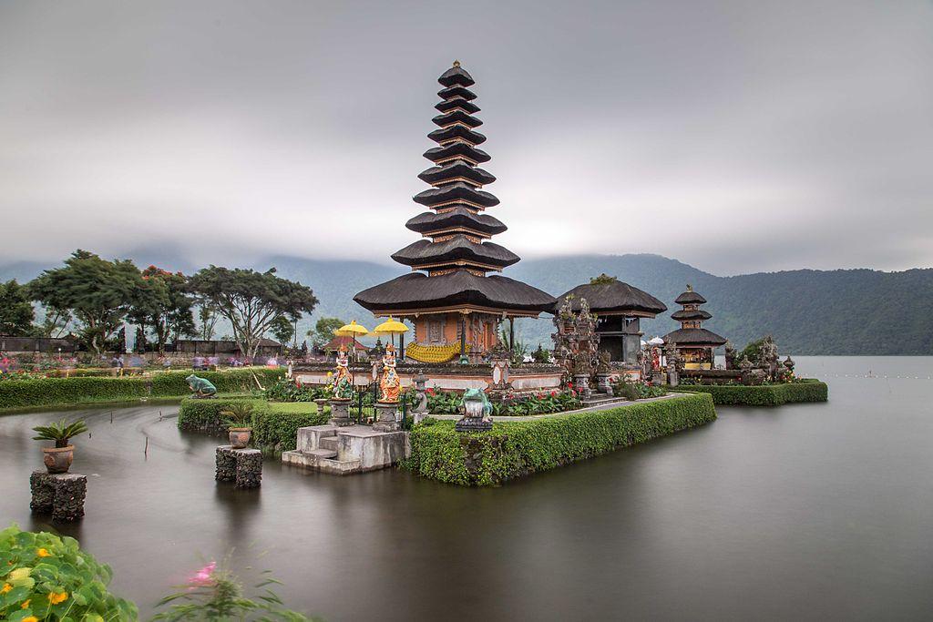 Hin- und Rückflug: Mit der 5* Airline Qatar Airways nach Bali [JAN-OKT] ab Brüssel. Mit Gepäck ab 518€