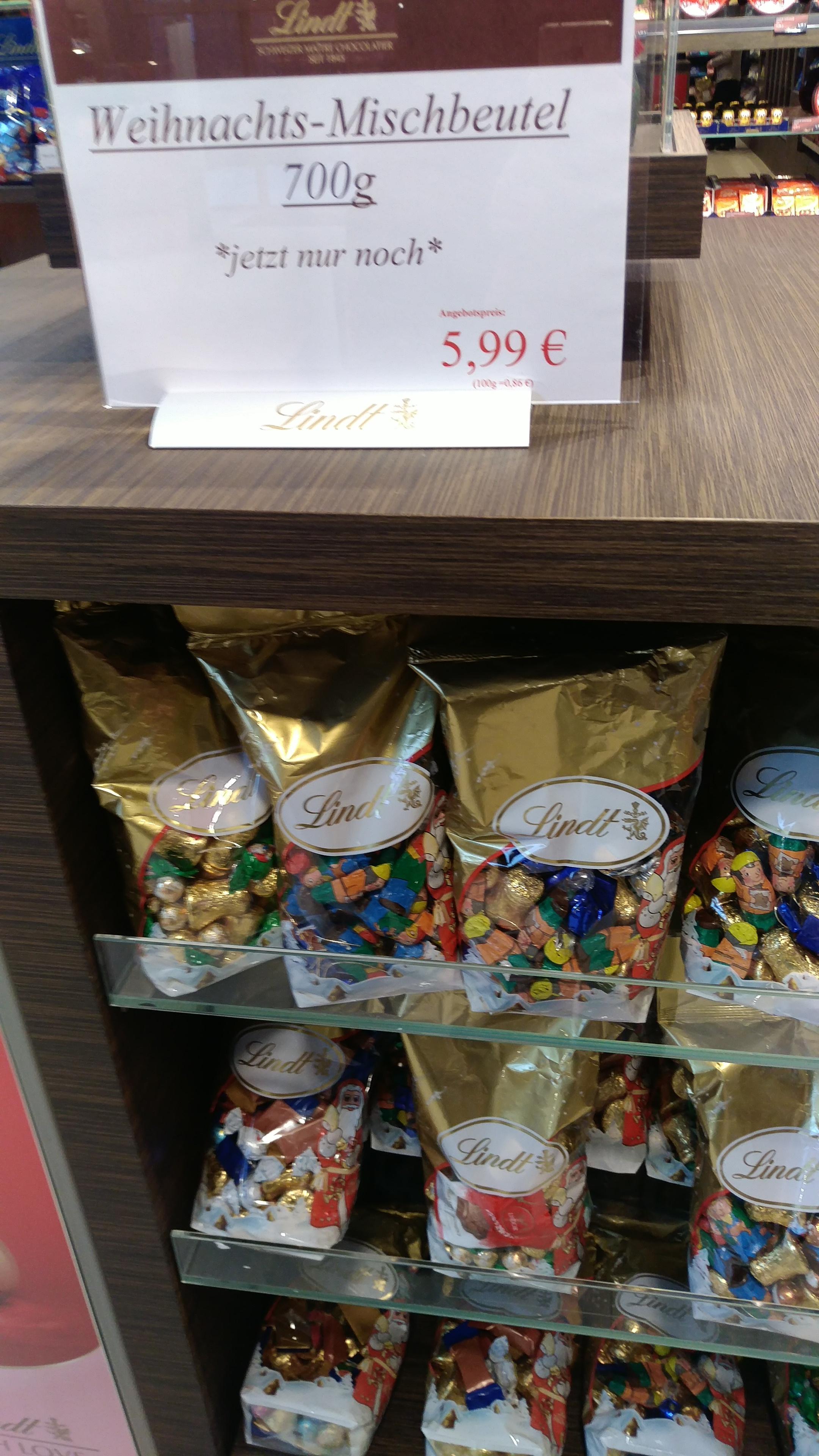 [lokal Geislingen Lindt Outlet] Weihnachts-Mischbeutel 700g für 5,99€