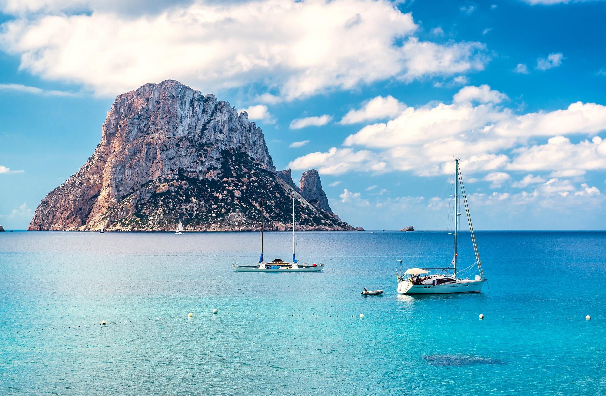 Flüge nach Ibiza von Düsseldorf/Weeze für 39,98€ Hin- und Rückflug im April