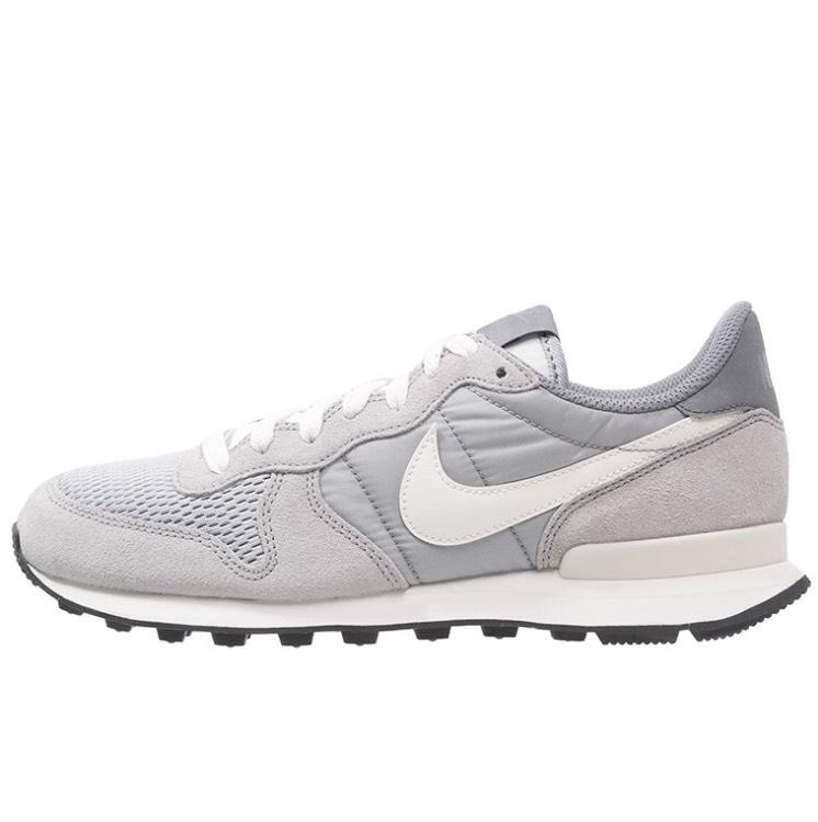 Nike Internationalist - viele Größen für 40,45 €