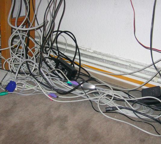 Kabel in der Aktion bei [top12] alle für je 3,12€ - 4 Kabel für 12,48€
