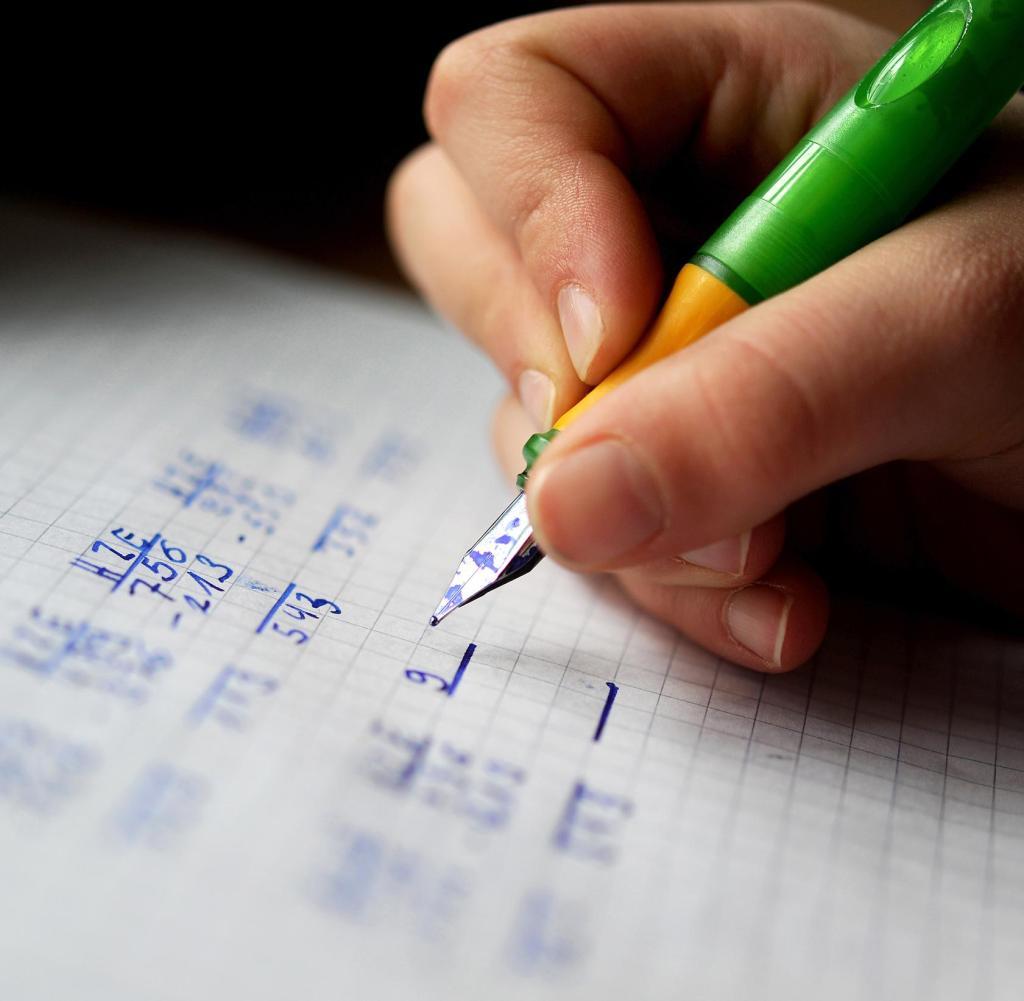 Übungsbögen ( mit Lösungen ) für die Schule