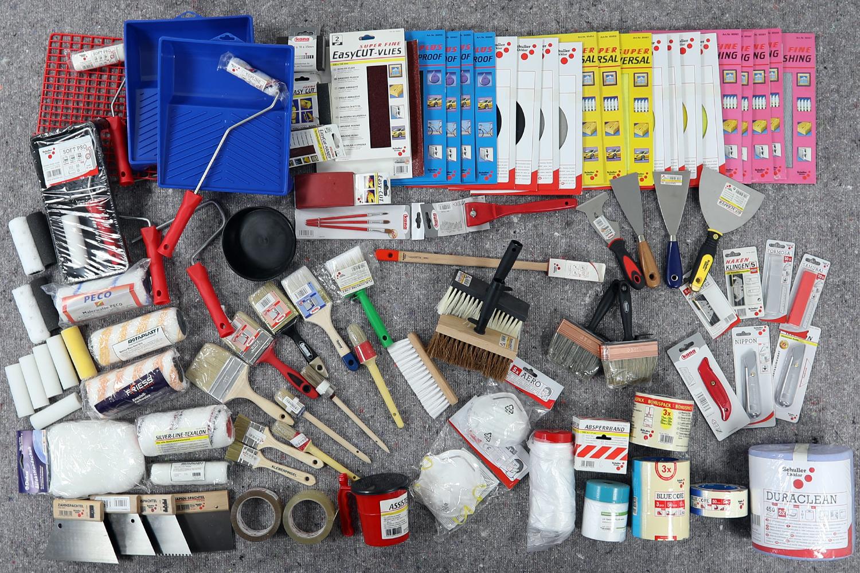 100 Teile Renovierset Malerbedarf Pinsel Walzen Klebebänder usw.