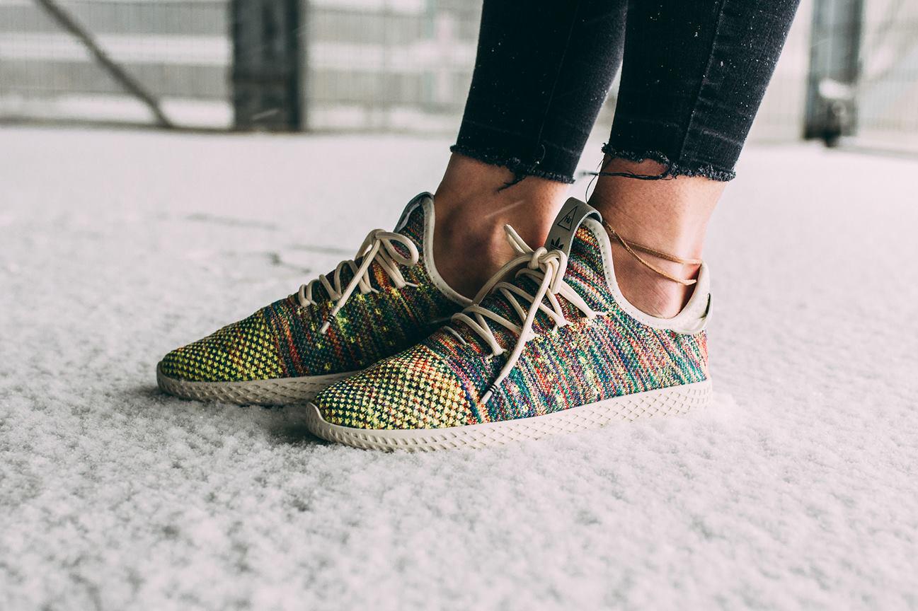 20% auf Adidas Sneaker: Pharrell Multicolor für 104€ oder Iniki, Gazelle, EQT, Campus, NMD u.vm.