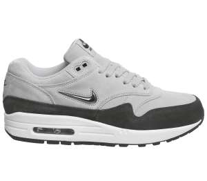 Bis zu 60% Rabatt bei Office London, z.B. ​Damen Nike Air Max 1 Jewel Wolf Grey Metallic Pewter