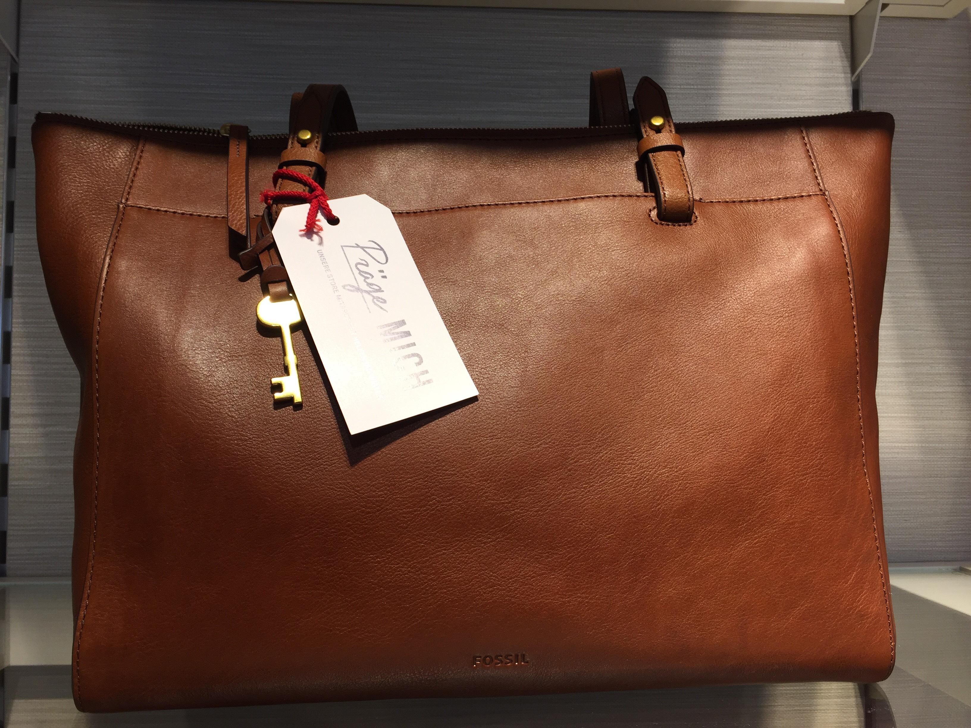 FOSSIL Family & Friends Aktion mit 30% auf Damen Leder Taschen & Börsen
