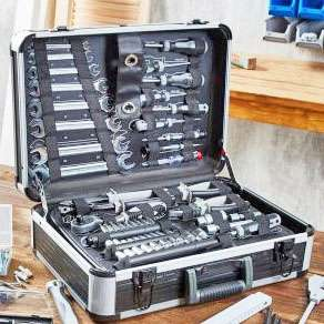 Umfangreicher Werkzeugkoffer für 89,99€ und 3M Gewebe-Klebeband für 2,59€ bei (Aldi Nord)