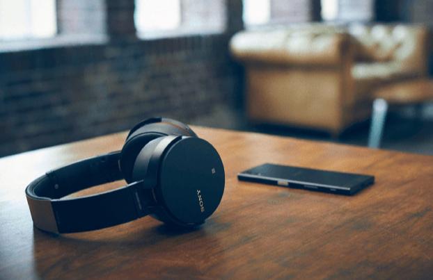 Günstige Kopfhörer zu Ostern im XXL Format bei Saturn, z.B. der Sony MDR-XB950B1 für 79€ statt 99,99€