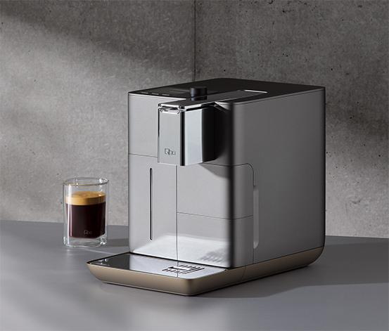 [Tchibo] Qbo You-Rista Kaffeemaschine (Alexa kompatibel) - Kaffee Kapselmaschine für Caffe Crema, Espresso und Caffè Grande (19 Bar, 1500 Watt) steuerbar via App,diverse Farben