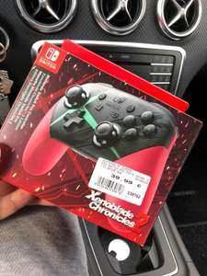[Expert Bundesweit] Nintendo Switch Pro Controller Xenoblade 2 nur 39,99€