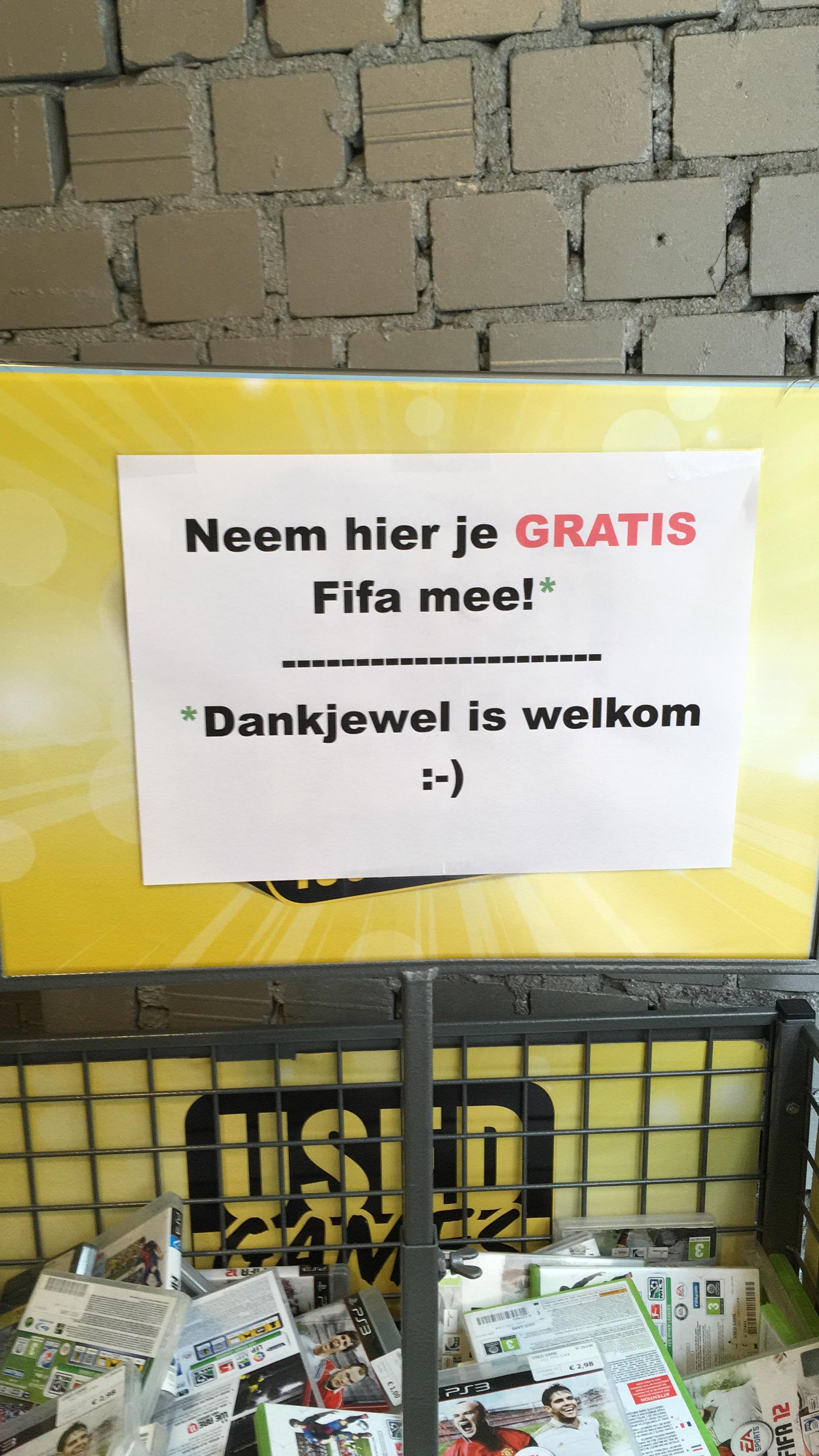 [Grenzgänger Venlo] Kostenlos verschiedene Fifa 2011-2013 zum Mitnehmen
