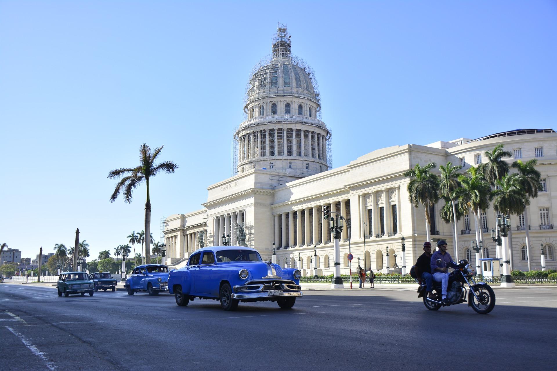 Flüge: Kuba [April 2018 - Frühjahr 2019] Hin- und Rückflug nach Havanna in der Business Class