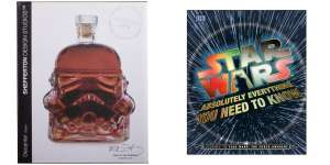 "Star Wars Stormtrooper Glaskaraffe/Dekanter & Buch ""Absolutely everything you need to know"""