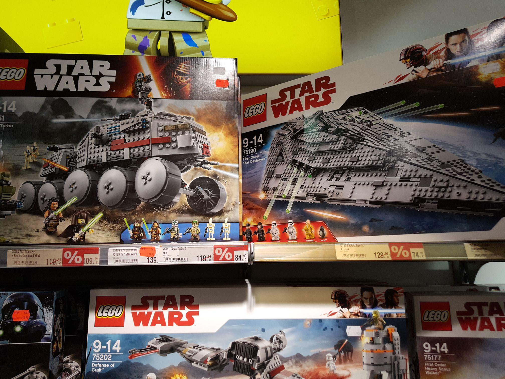 [lokal Hannover]Karstadt Sports verschiedene Lego Star Wars Sets im Angebot bspw. Clone Turbo Tank 84,99€ oder Captain Rex AT-TE für 74,99€
