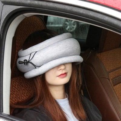 3 in1 Reisekissen mit integrierter Schlafmaske und Schal