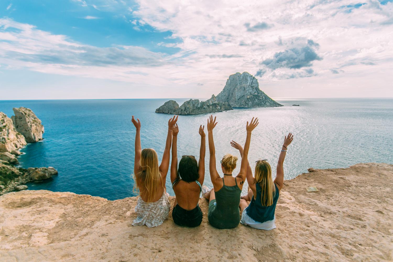 Flüge nach Ibiza zur Hauptsaison ab 19,99€ oneway und 39,98€ Return von Berlin, Düsseldorf und Weeze