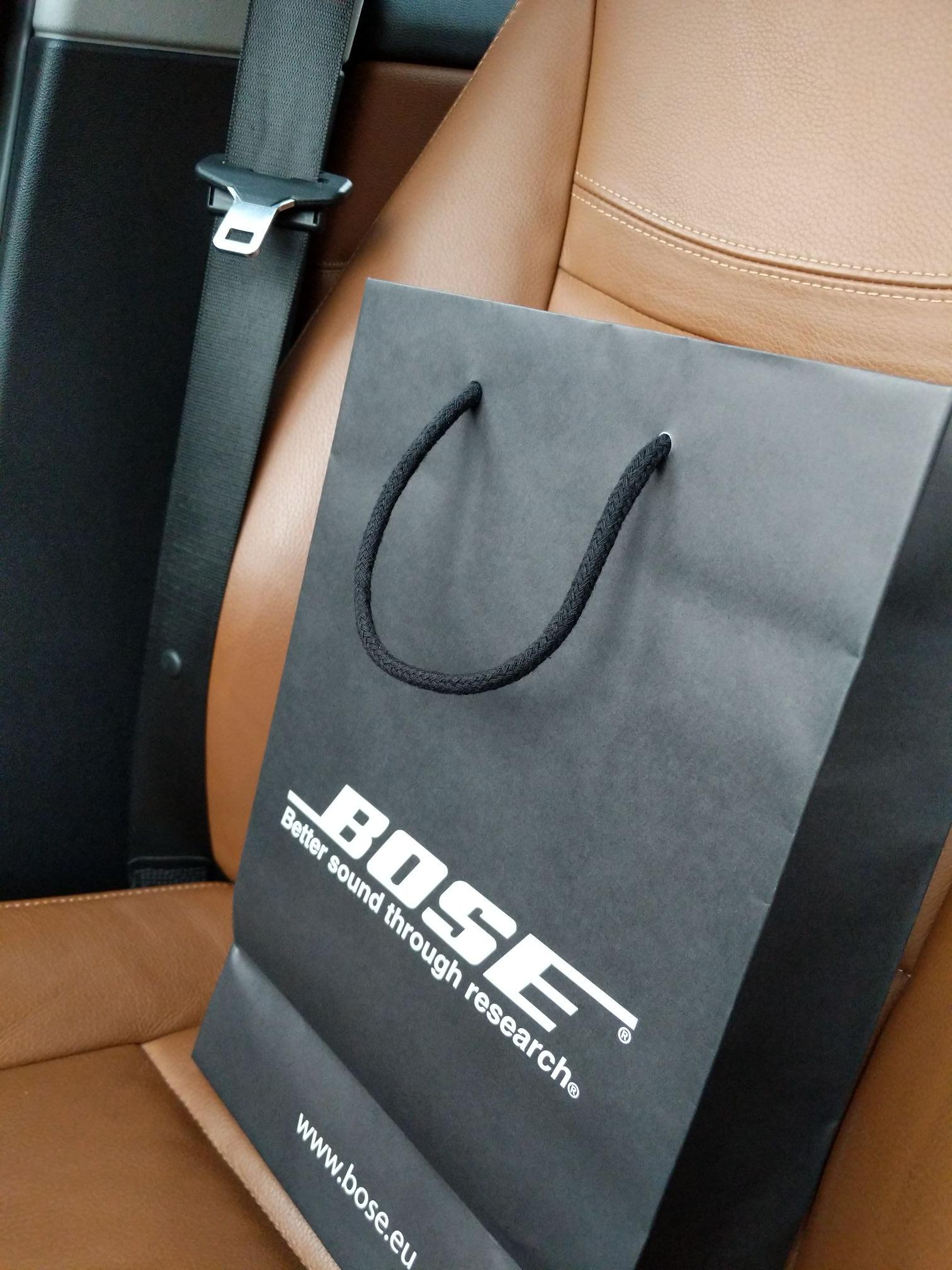 Bose Quietcomfort 35 2 in schwarz und silber Bose Store Hamburg Balindamm!