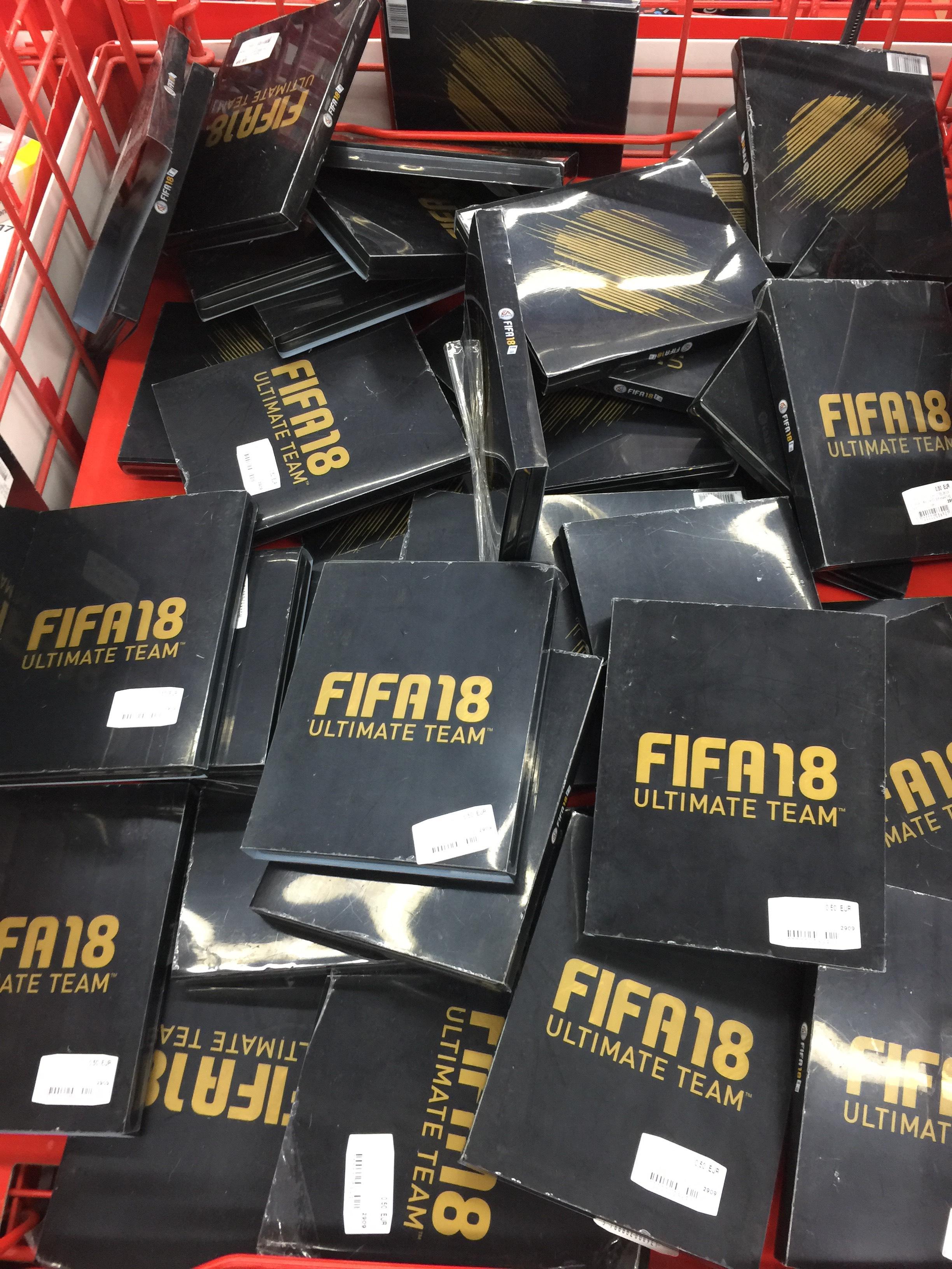 FIFA 18 FUT Steelbook Edition PS4 ohne Spiel Bremen Weserpark lokal