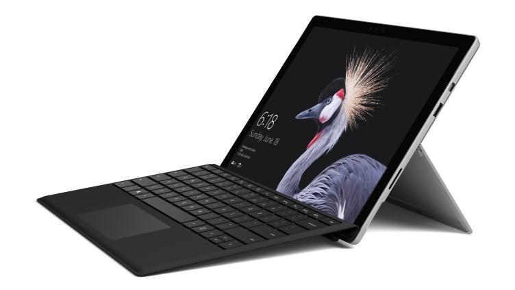 Microsoft Surface Pro (2017) mit Core i5, 8GB RAM und 256GB SSD + Type Cover nach Wahl für 1119€