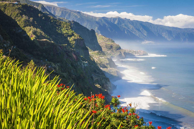 Flüge - Madeira [Juli] Direktflüge - Hin- und Rückflug von Stuttgart nach Funchal ab nur 191,98€ inkl. Gepäck