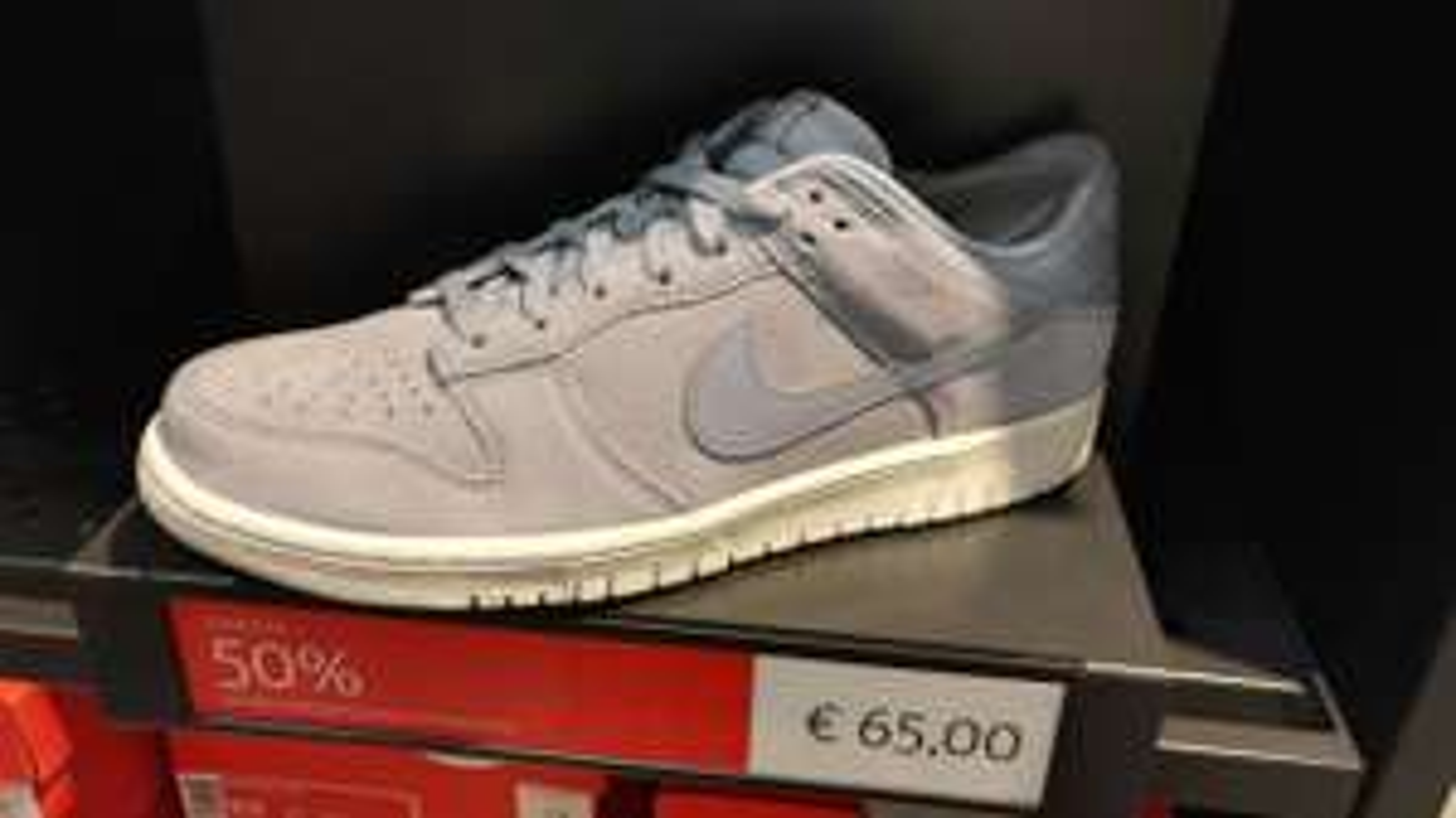 (Lokal A10 Center) Nike Dunk Low glacier grey