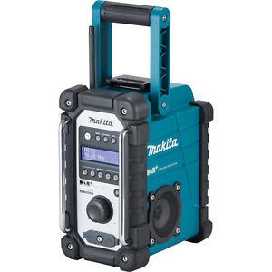 Makita Akku-Baustellenradio DMR110 mit DAB+, Staub- und Spritzwasserschutz (IP64)