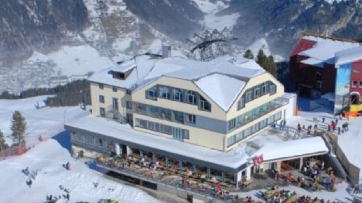 Ski / Snowboard im Berghotel in der Schweiz mit Skipass und HP 5 Tage 496 €