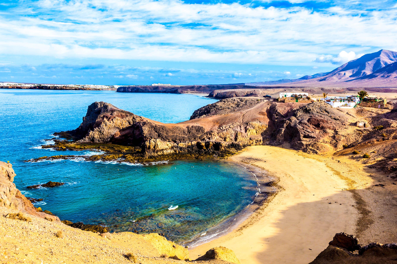 Berlin nach Lanzarote/Fuerteventura ab 24€  [Juni, Hin- und Zurück]