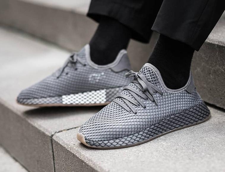 Adidas Deerupt Runner Herren Schuh / Sneaker hellgrau für 59,90€ statt 79€ und Adidas Nmds für 79,90€