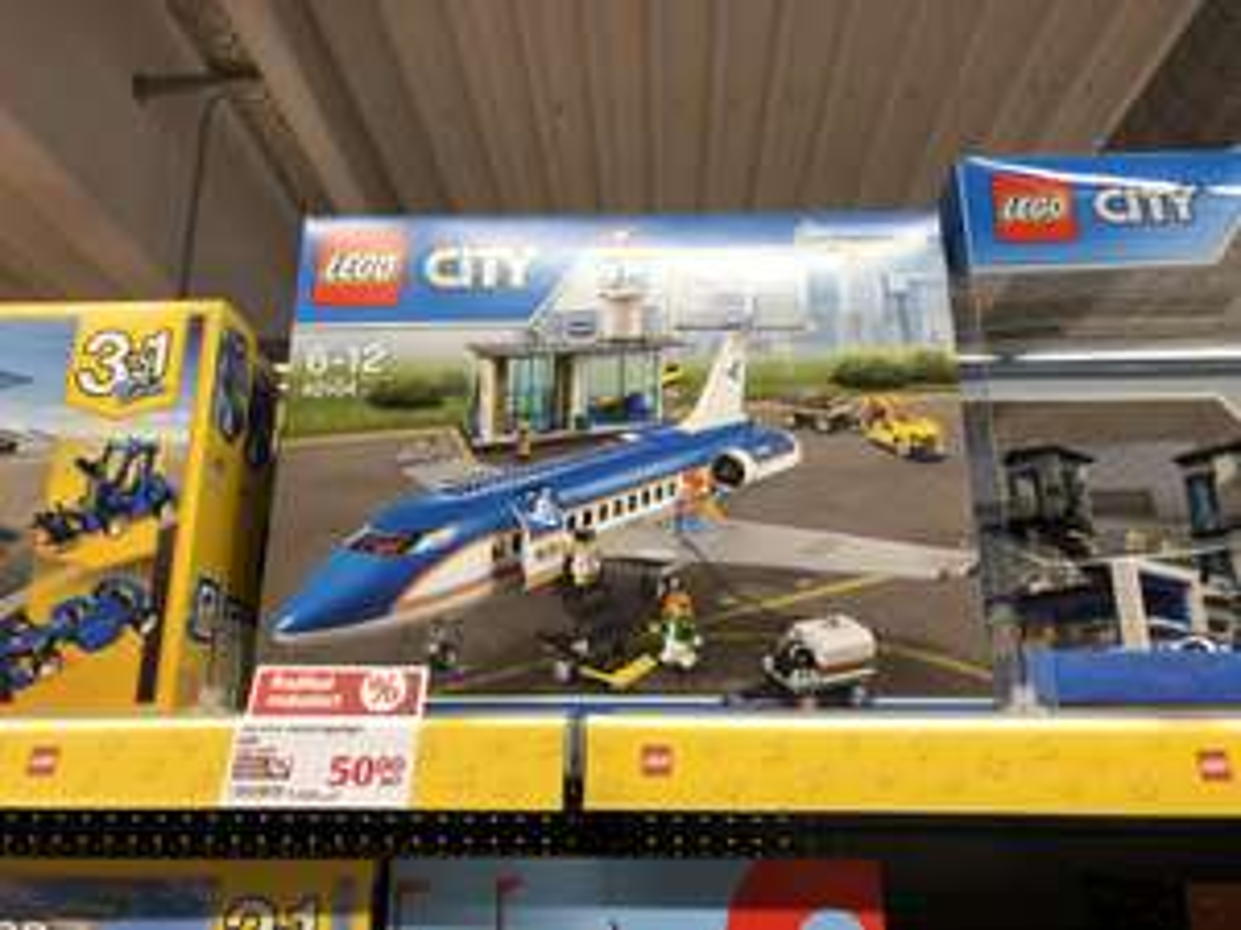 [Lokal GLOBUS Koblenz, Lahnstein] - LEGO City - Flughafen Abfertigungshalle (60104)