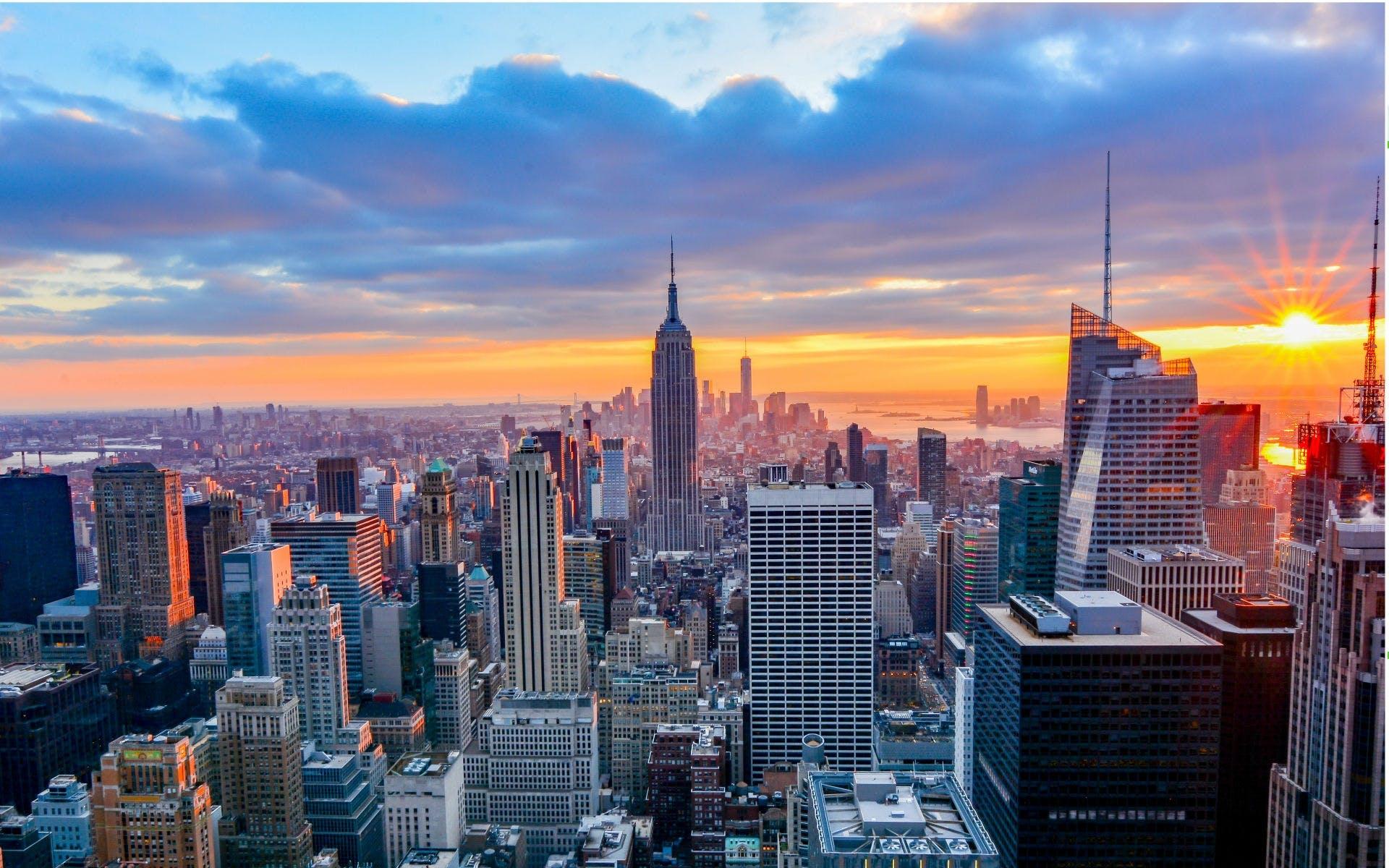 USA [September - Februar + Weihnachten/Silvester] Hin- und Rückflüge von Brüssel nach New York ab 260 € inkl. Gepäck