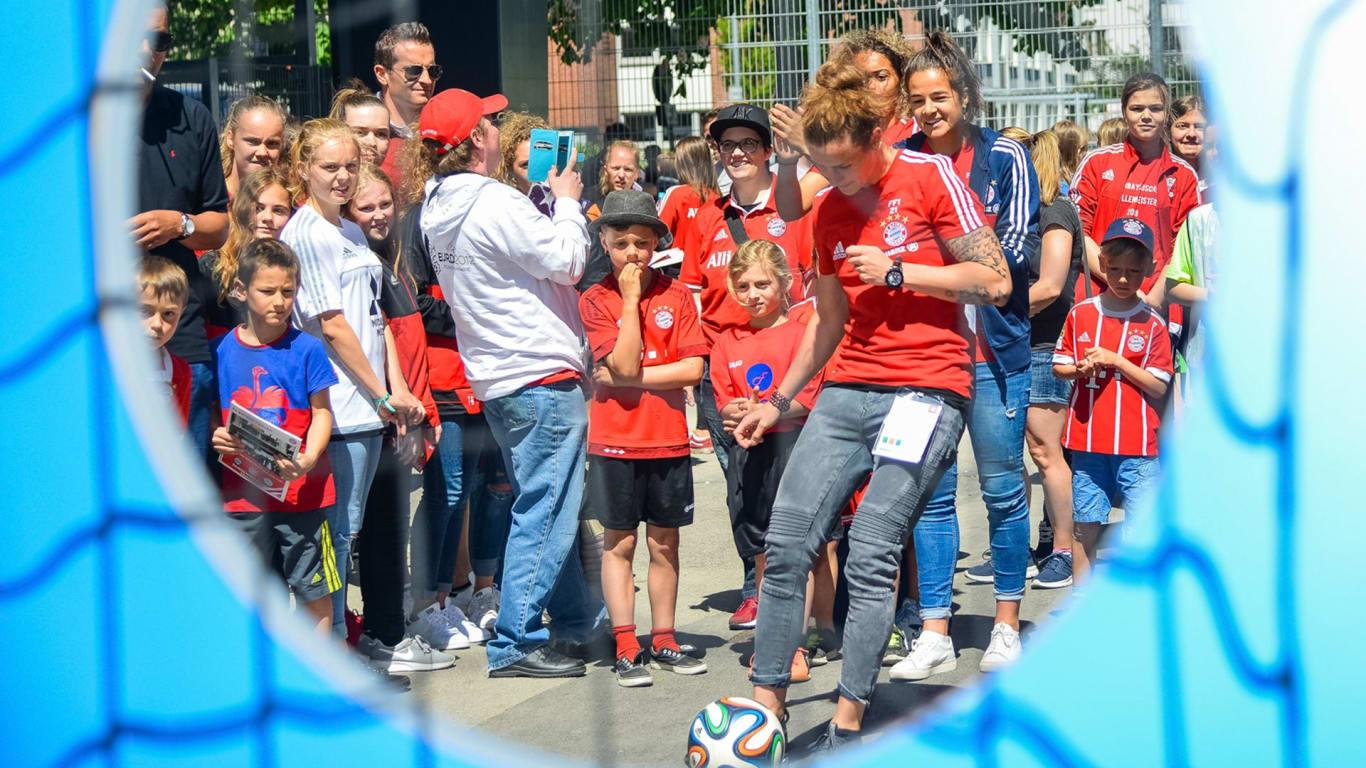 [München] Eintritt frei: Frauen Bundesliga FC Bayern München - VfL Wolfsburg + Fanfest am 27.05. im FC Bayern Campus
