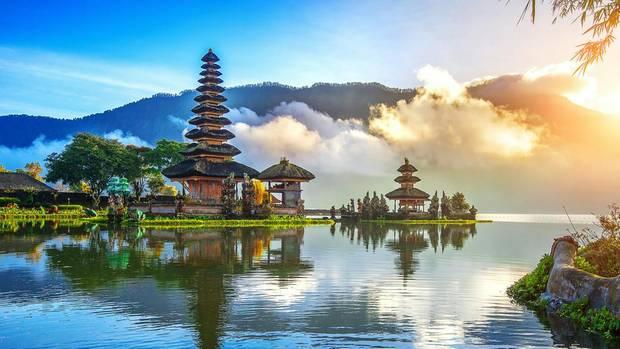 Bali [September - März] Hin- und Rückflug mit 5*Qatar Airways oder 5*Cathay Pacific von Zürich nach Denpasar ab 454€ inkl. Gepäck