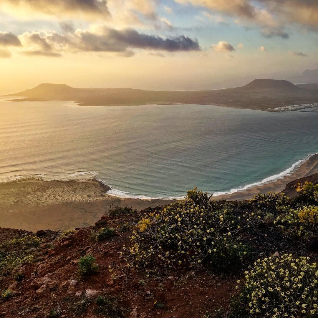 Flüge: Lanzarote [Juni] - Last-Minute - Hin- und Rückflug von Köln nach Arrecife ab nur 29€ inkl. Gepäck