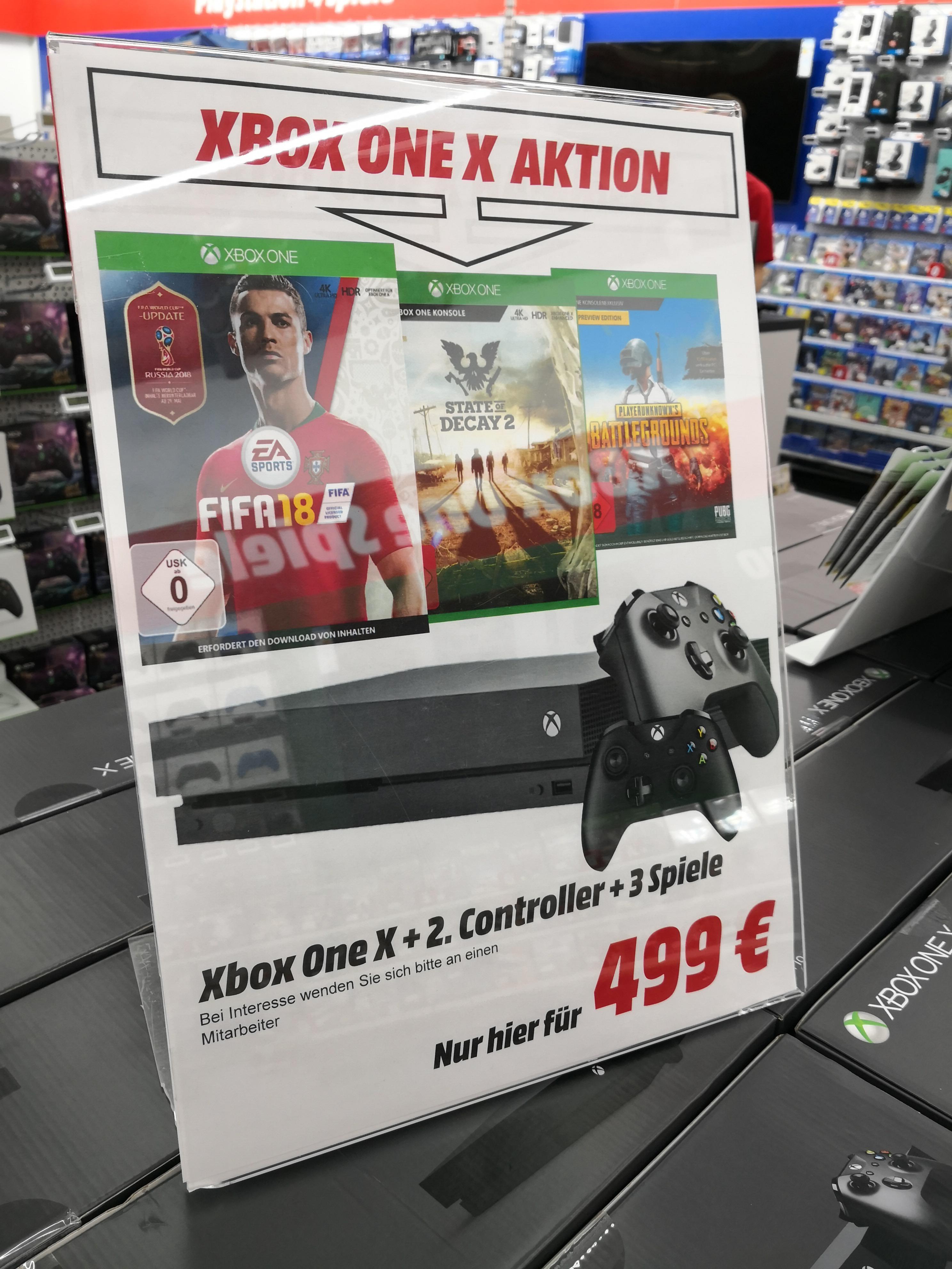 (Lokal Berlin) Xbox One X mit Controllern und 3 Spielen