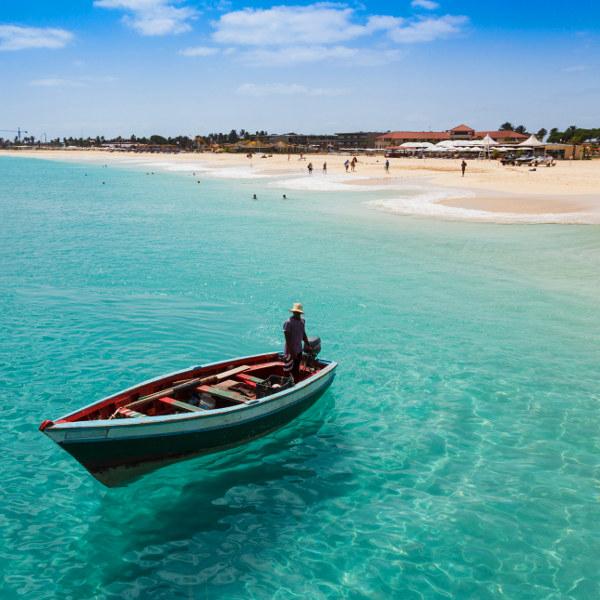 Flüge: Kap Verde [Mai] - Last-Minute - Hin- und Rückflug von Frankfurt, Stuttgart oder Hannover nach Boa Vista oder Sal ab nur 185€ inkl. Gepäck