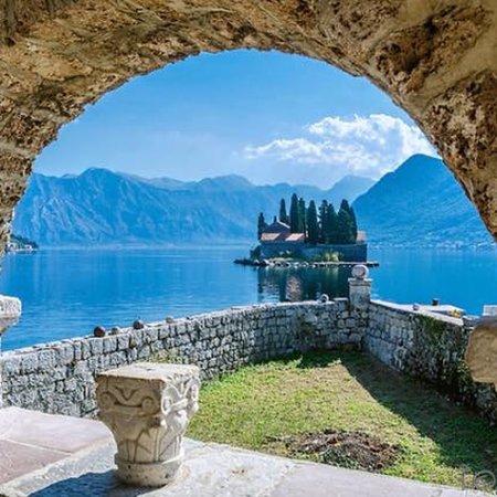 Flüge: Montenegro [Mai] - Last-Minute - Hin- und Rückflug von Frankfurt nach Podgorica ab nur 59€ inkl. Gepäck