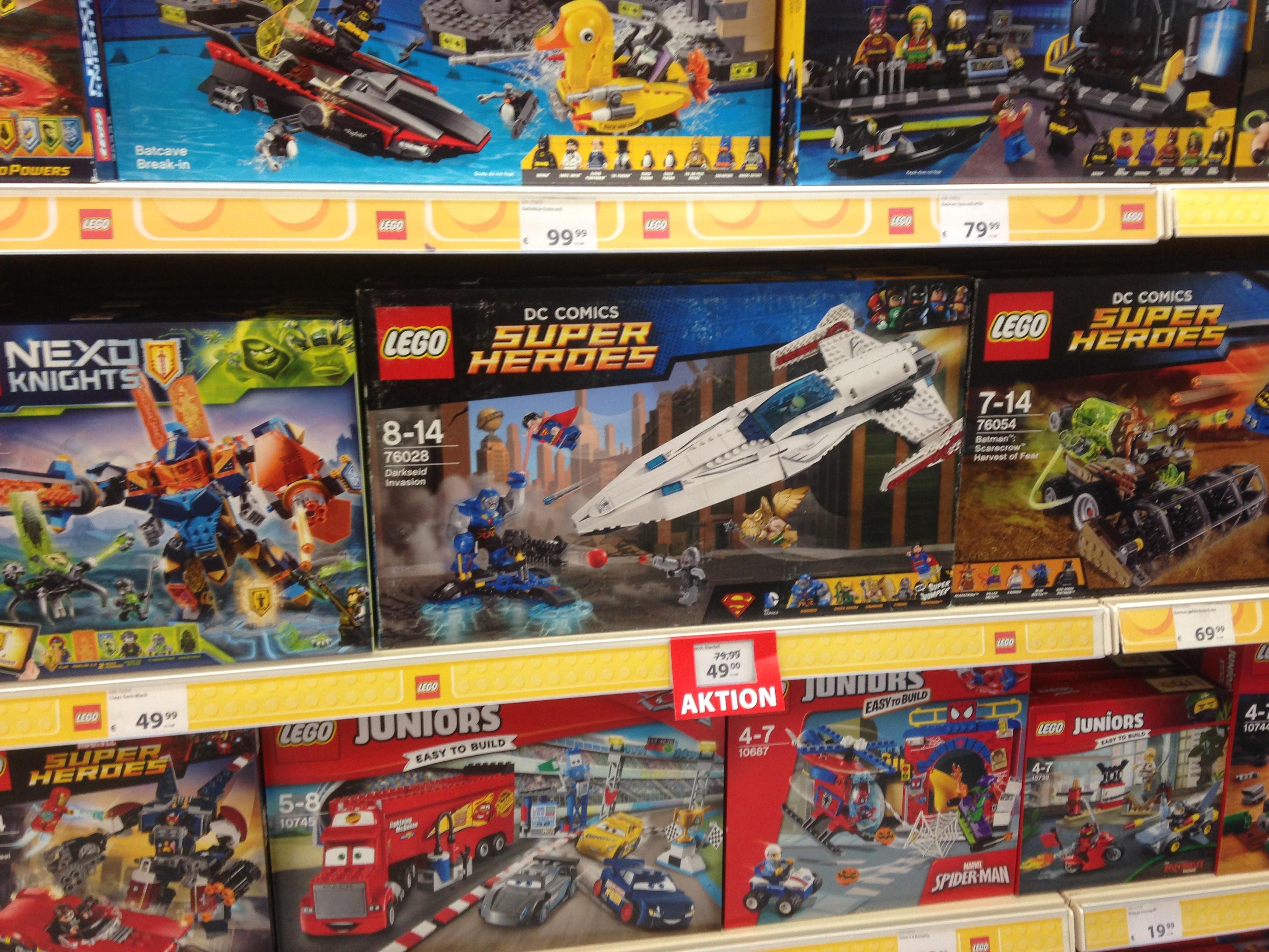 [Lokal - Spiele Max Schwerin] LEGO DC Comics Super Heroes - Darkseids Überfall (76028)