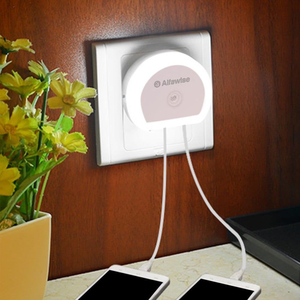 Rosegal: LED-Nachtlicht (mit Lichtsensor) und 2x USB-Ladeports für 0,77€ bzw 3 für 2,15€