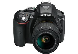 [saturn] Nikon D5300 schwarz (24.2 MP, WLAN, GPS, APS-C) mit Objektiv AF-P DX 18-55mm 3.5-5.6G VR