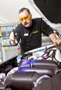Für Automobilclubmitglieder: Klimaservice INKL. DESINFEKTION und 250g Kältemittel bei Vergölst. Für Nicht-Clubmitglieder 10% teurer.