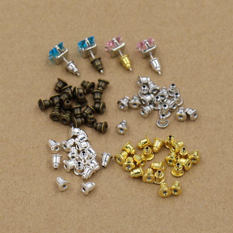 100 Stecker (4x4 mm) für Ohrringe ab 52 Cent (Plastik) @ Aliexpress (Eisen kosten 82 Cent)