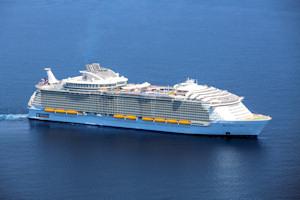 Karibik Kreuzfahrt mit Harmony of the Seas mit Flug und Hotel ab 973€ pro Person (Doppelbelegung)