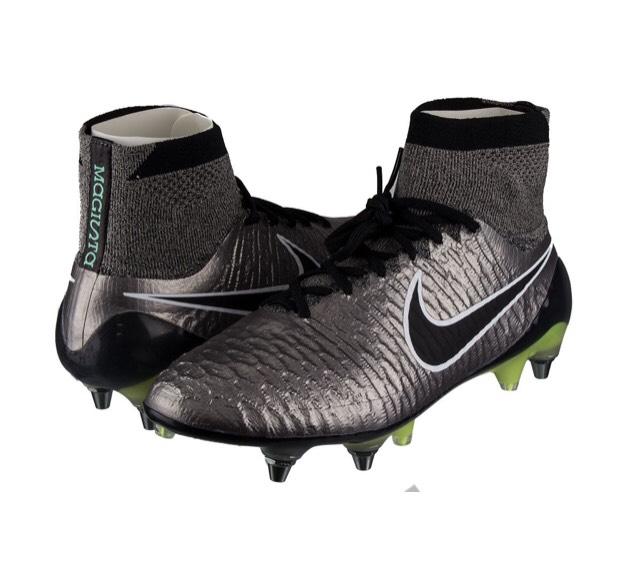 Nike Fußballschuhe bei Top12 u.a. Tiempo Legend V