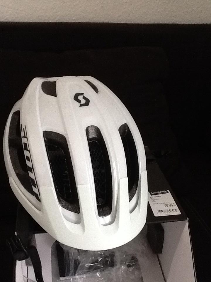 [lokal steglitz Sportscheck] Fahrradhelm Scott Supra weiß o. schwarz
