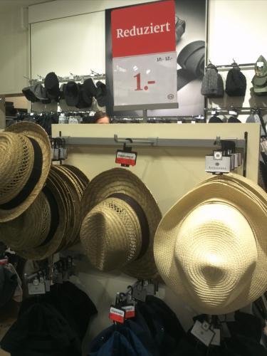 [Bonn] C&A Hüte von 12€ auf 1€ reduziert, Rossmann Toppits Brotpapier 0,30€, Mellitta Kaffeefilter 0,70€