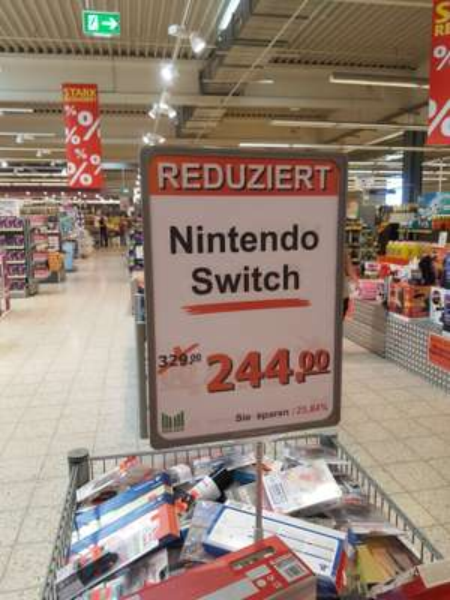 [lokal Wismar HWI] Marktkauf: Nintendo Switch rot/blau
