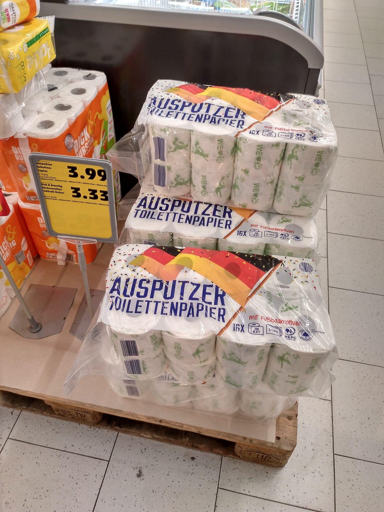 [Lokal Penny Berlin Buckow] WM-Toilettenpapier, Für alle, die von Fußball, FIFA oder WM genug haben