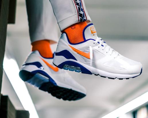 Nike Air Max 180 in vielen Größen mit 20% Sneaker-Gutschein @Kickz - nur heute!