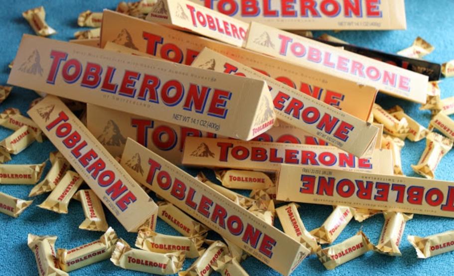 Toblerone - 100g Packung - weiße Schokolade oder Vollmilch für 69 ct @ ACTION Markt